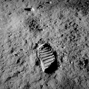 footprint-60614_640