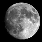 月の内部と構造はどうなってる!?表面には何がある??