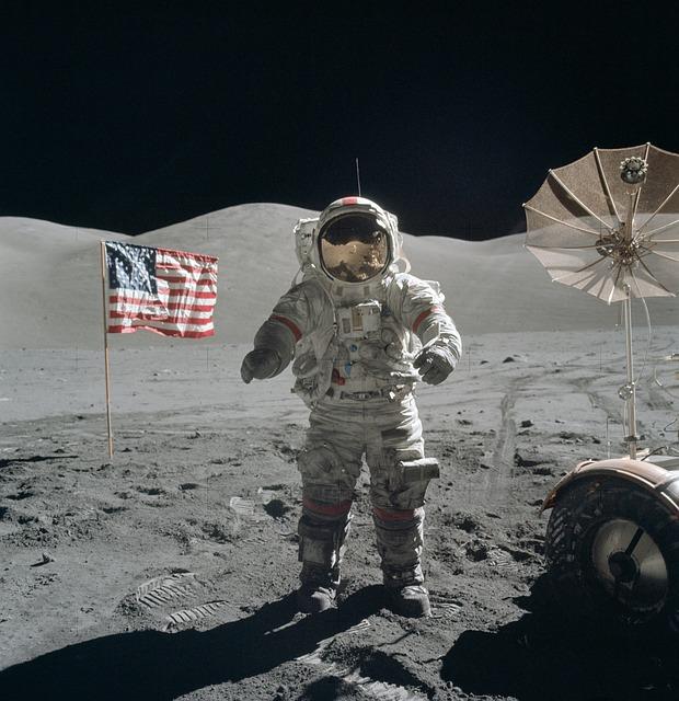 アポロ11号の月面着陸は捏造だった!?証拠は?真実は?真偽に迫る!!