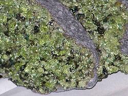 250px-Peridot_in_basalt