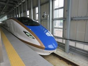 bullet-train-1228070_640