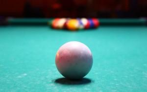 pool-823317_640
